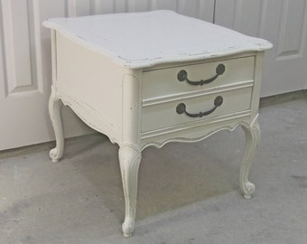 French Provincial End Table / Nightstand Distressed White Cottage Style  - TB102 Shabby Farmhouse Chic