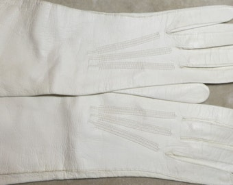 A Pair of White Real Kid Gloves from France in a Size 6 1/4