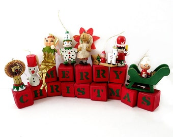 Holiday Tree Ornaments & Merry Christmas Blocks Vintage 8 Eclectic Holiday Tree Decor