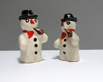 Snowman Salt and Pepper Shakers Make in Japan 1950s Ceramic Vintage