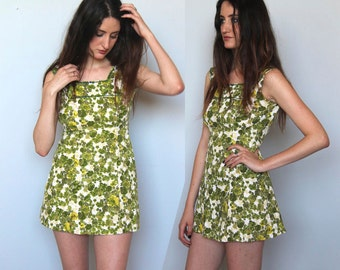 equatorial -- vintage 60s floral print micro mini dress -- XS
