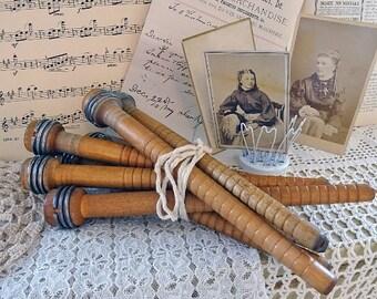 ONE vintage wood bobbin spindle - NO314