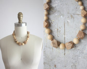 1970s wooden bead necklace