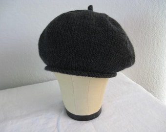 Charcoal Gray Merino Wool Beret. Hand Knit Hat. Fall and Winter Accessories.