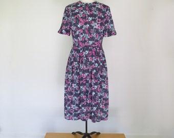 PLUM BLOSSOM // shelton stroller 50s or 60s graphic day dress
