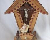 Vintage Tramp Art Wood Crucifix Shrine Tabletop Light Up Jeweled