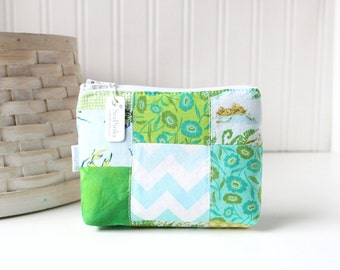 Patchwork Blue and Green Coin Purse Gift Card Credit Card Holder Green Zipper Pouch Floral Change Purse