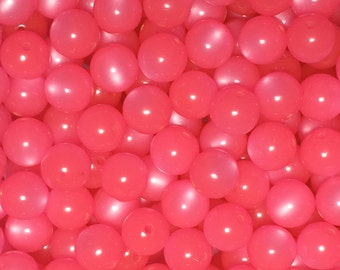 25 vintage Lucite 10mm round hot pink moonglow beads from West Germany - new old stock unused beads
