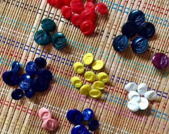 Colorful Vintage Button Lot (r)