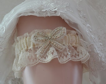 Wedding Keepsake Garter,Ivory lace Keep Garter , Ivory Chantilly Lace Garter, Rhinestone Keep Garter