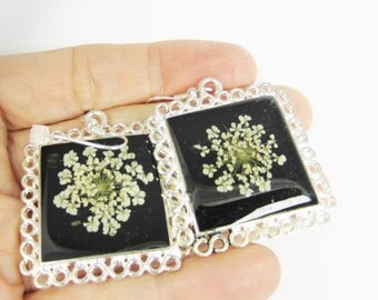 Queen Annes' Lace on Black,  Real Flower Earrings, Pressed Flower Jewelry, Resin (1801)