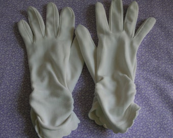 Sweet 1960's nylon gloves with ruching and scalloped edge