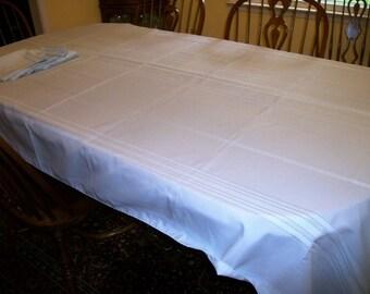 """sky blue  tablecloth + 6 napkins  100"""" x 60""""  Exl Condition"""