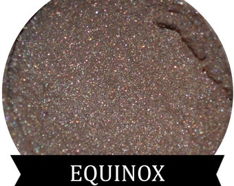 EQUINOX  Shimmery Light Taupe Eyeshaodw