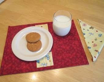 Child's Snack Mat with Matching Napkin, Reversible Snack Mat, Child's Placemat and Napkin Set, Quilted Placemat