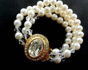 1960s wedding white 3 strands simulated pearls bracelet-glamorous pearl & crystals clasp-Hand Knotted italian wedding's bracelet -Art.127/4-