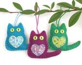 Felt cat ornaments, Felt Christmas ornaments, Christmas cat ornaments, Handmade felt cats, Cat decorations, Colourful cat Ornaments.