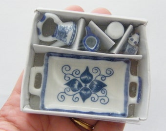 1 Blue and white porcelain tea set