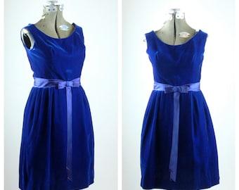 1950s blue velvet dress // 50s velvet dress // vintage party dress // small