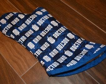 BBC Dr Who Logo Oven Mitt/ Home Decor/ Kitchen Decor/ Housewarming gift/ Hostess gift/ Gift for Nerds/ BBQ Grill/ Gift for Him