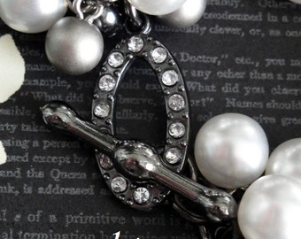 ANNE BOLEYN Pearl Charm Bracelet. Faux White & Gray Pearls. Lovely Rhinestone Clasp. Full And Lush. Inspired by Anne Boleyn