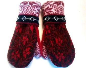 Sale Nordic Reds - Recycled Wool Mittens lined with cozy fleece.  Ladies Medium.
