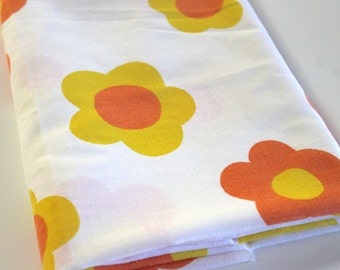 Vintage Sheet Fabric reclaimed vintage bed sheet bed linen fabric retro yellow orange hippie flower power daisy quilting camper decor fabric