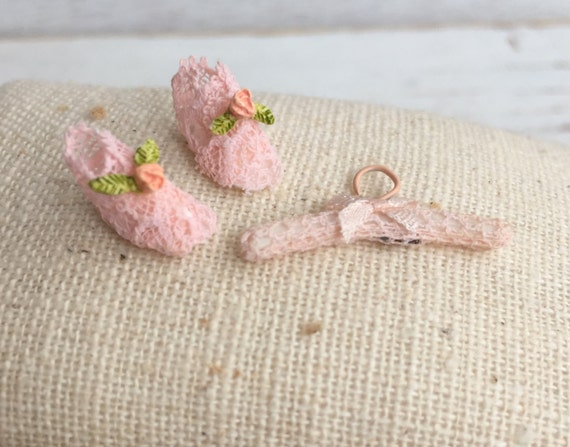 Miniature Pink Lace Baby Booties and Hanger Set, Dollhouse Miniatures, 1:12 Scale, Dollhouse Nursery Decor, Miniature Dollhouse Accessory