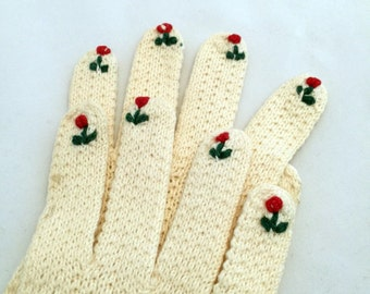 Tulip tipped 1950s knit gloves cream