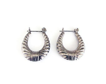 Sterling Hoops, Hoop Earrings, Ribbed Design, Door Knocker, Vintage Earrings, Silver Jewelry, Vintage Jewelry