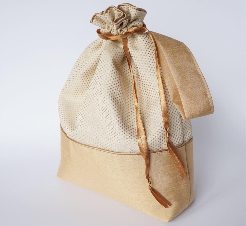 Knitting Yarn Holder Bag : Drawstring bag knitting yarn holder project