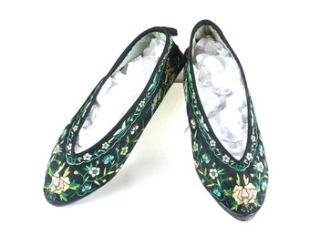 1920s Slippers, 20s Shoes, 1920s Floral Silk Embroidered Slippers with Butterflies, Chinese Shoes Flats