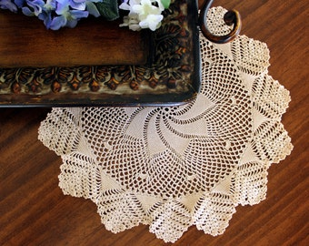 Hand Crochet Doily - Spiral Patterned - Medium Ecru - Vintage Linens 13432