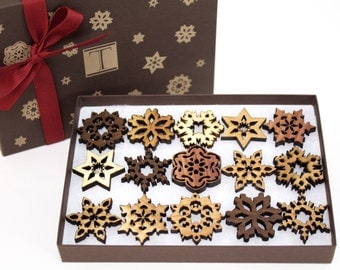 Mini Snowflake Ornaments - Gift Box Mini Set of 15 . Timber Green Woods