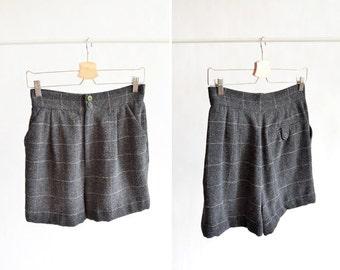 Vintage 1980s wool HIGHWAIST shorts