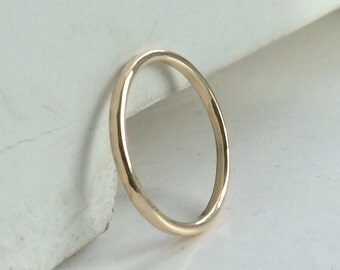 Solid gold thin ring