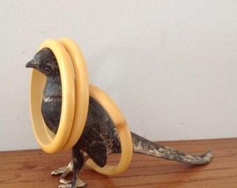 Vintage Set of 3 Yellow Bakelite Bangle / Bakelite Bangles / Bakelite Bracelets