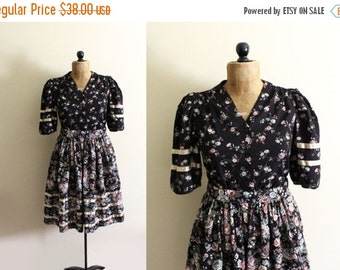 50% OFF SALE vintage dress prairie 1970s black floral mixed print womens clothing satin size s m small medium