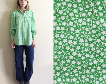 vintage tunic shirt 1970s green calico floral print hippie retro yoke prairie womens clothing size xs s extra small