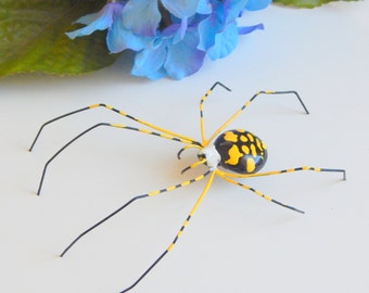 Small Garden Spider Writing Spider Yellow and Black Wire Art Nature Ornament Garden Party Gift for Hostess Unique Gift