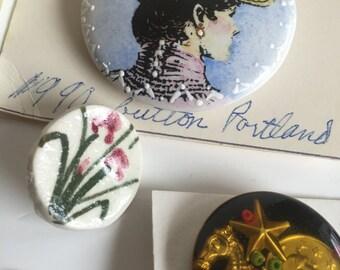 Grab Bag of Gold Metal BUTTONS. Vintage shank decorative art button. Junk Deco. Napoleon Empereur, mother of pearl, sailing ship