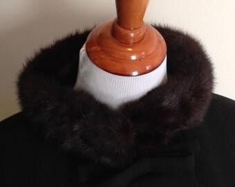 Gimbels 3/4 length sleeve fashion coat, With fur collar