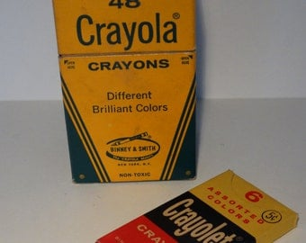 Vintage Crayola crayons and Crayolet.