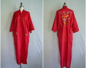 vintage lipstick red kimono robe / chinese embroidery embroidered long house robe pajamas / fits all