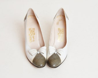 Vintage 80s White Lizard Cap Toe Bow Pumps / 1980s Salvatore Ferragamo Reptile Leather Heels 8 Narrow