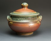 Handcrafted stoneware soup tureen/casserole 2 quart iron red 2630