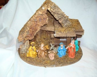 Vintage Made in Italy Nativity Scene with Creche.