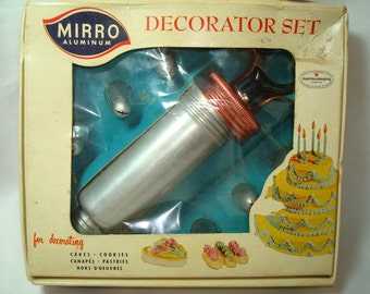 1950s MIRRO Decorating Set for Cakes Cookies Canapés Pastries Hors D'Oeuvres.
