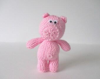 Pipsqueak the Pig toy knitting pattern
