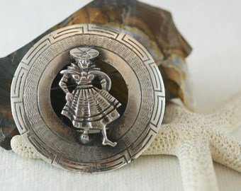 Vintage Stering Silver Peruvian Folk Art Woman Traditional Dress Figural Brooch Pin  .....6173